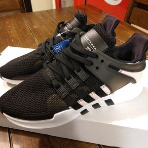 Adidas womens size 8 model BY9112
